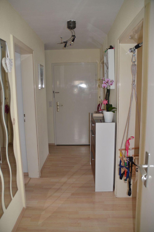 Helle Wohnung in ruhiger Lage mit sehr guter ÖPNV-Anbindung (U15)
